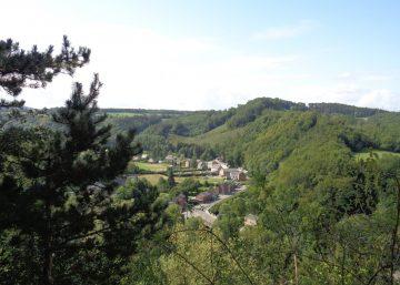 vue vers le village de Juzaine depuis le belvédère